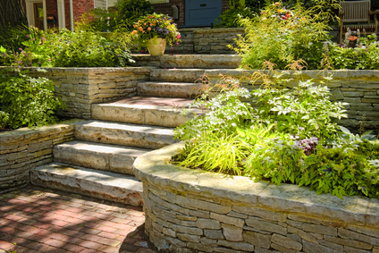 Ideas for Using Natural Stone and Rocks in your Outdoor Spaces